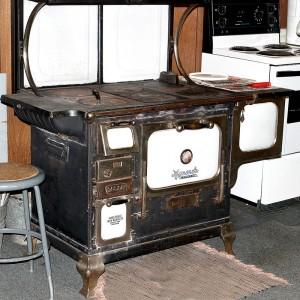 800px-Iron_stove